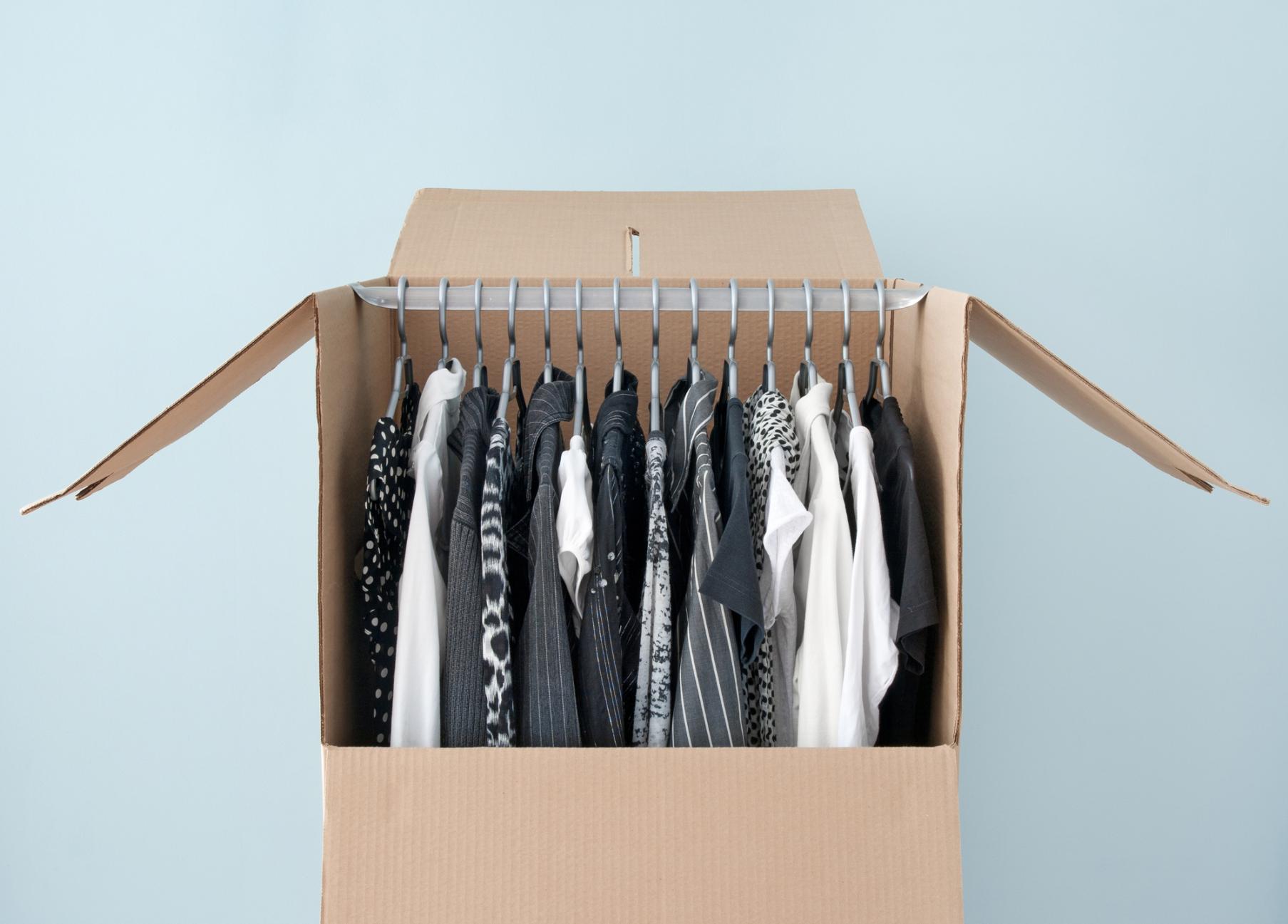 Kleiderkarton für den Umzug